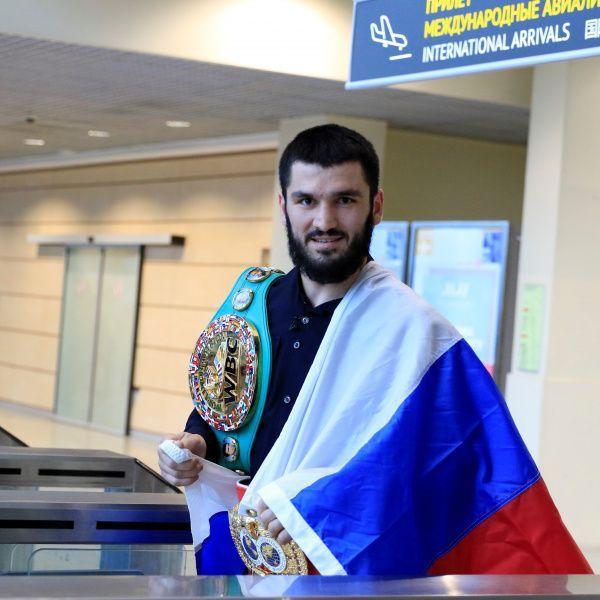 Бой Артура Бетербиева и Мэна Фаньлуна пройдет 25 сентября в Екатеринбурге