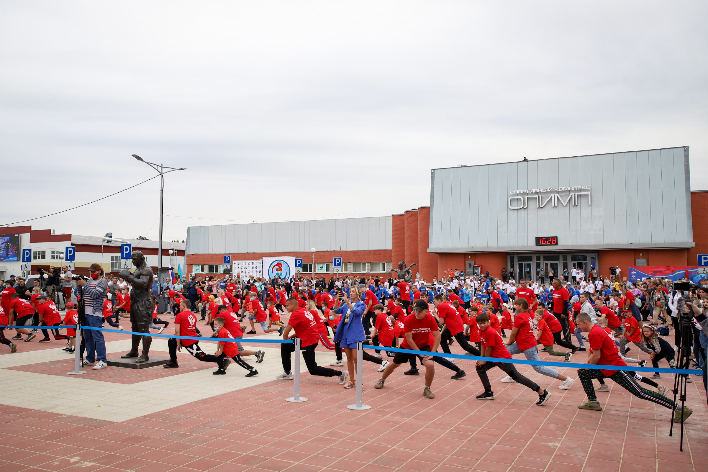 27 августа в Каменске-Уральском на аллее СК «Олимп» состоялось празднование Международного Дня Бокса!