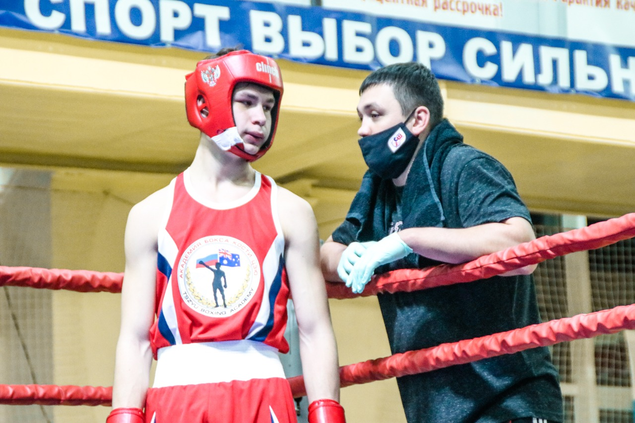 Костя Цзю торжественно открыл начало областного турнира по боксу